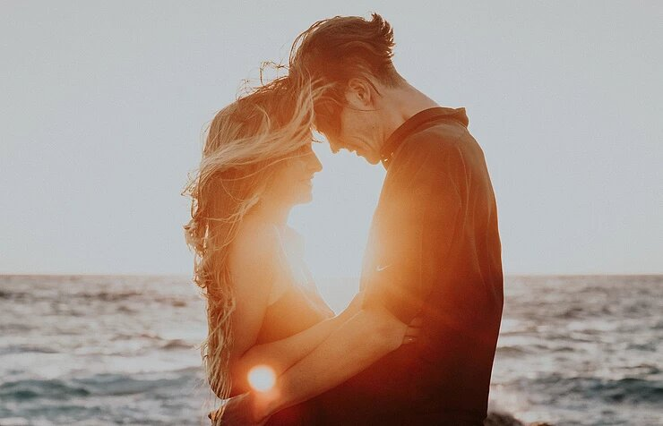 2 Signs You're Ready for an Emotionally Open Relationship